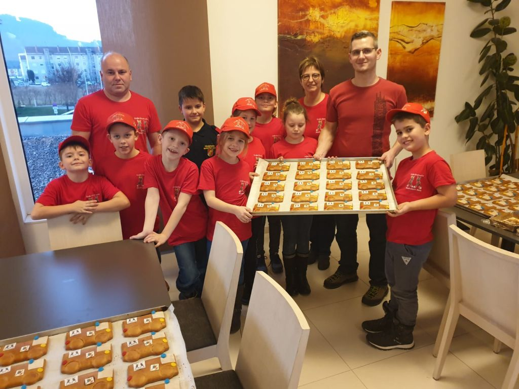 b_1024_0_16777215_00_images_2019_Kinderfeuerwehr_Kekse_Backen_Moshammer_Kekse_backen_Moshammer_2019_2.jpg